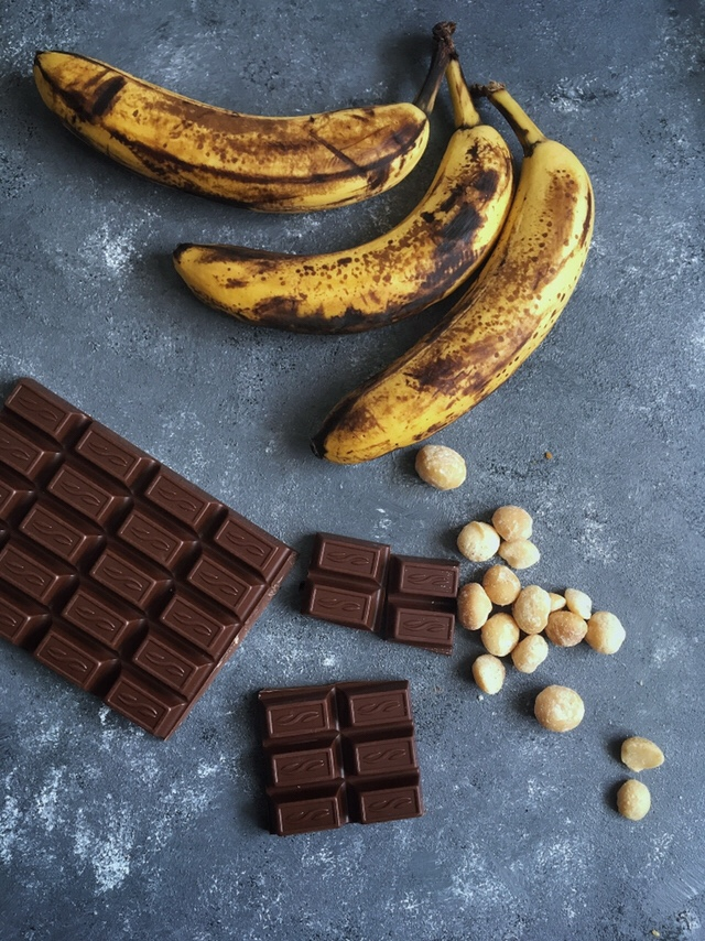 Banana Bread Ingredients - Mint & Oh La La - mintandohlala.com